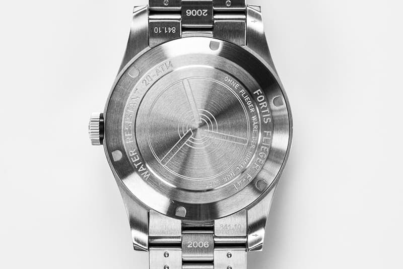 フォルティス 腕時計 裏蓋