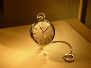 理論物理学者「アルベルト・アインシュタイン」が実際に使っていたロンジン(LONGINES)懐中時計