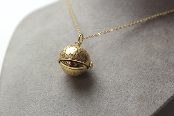 アエロ 懐中時計 ペンダントウォッチ ゴールドカラー