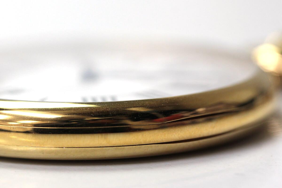 aero(アエロ)懐中時計 25611j201 クォーツならではの薄いケース 厚さ