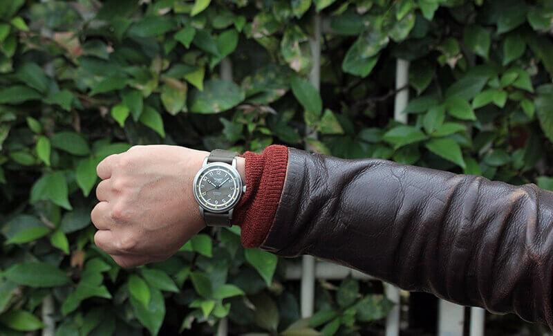フライトジャケットに似合う腕時計