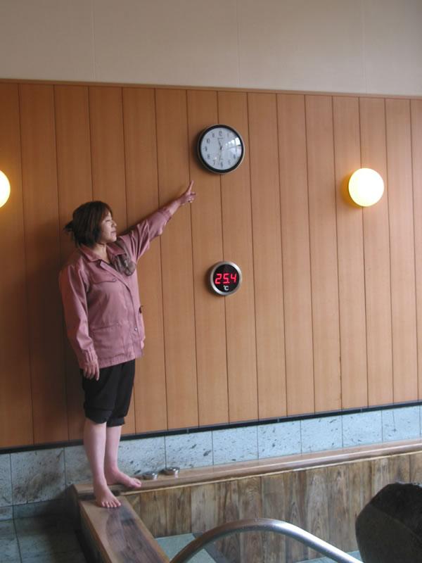 シチズン 強化防滴・防塵電波掛け時計 ネムリーナM691F【4my691-n19】をお買い上げいただきました、長野県にお住まいの菊池頼紀様(40~50歳)からの声