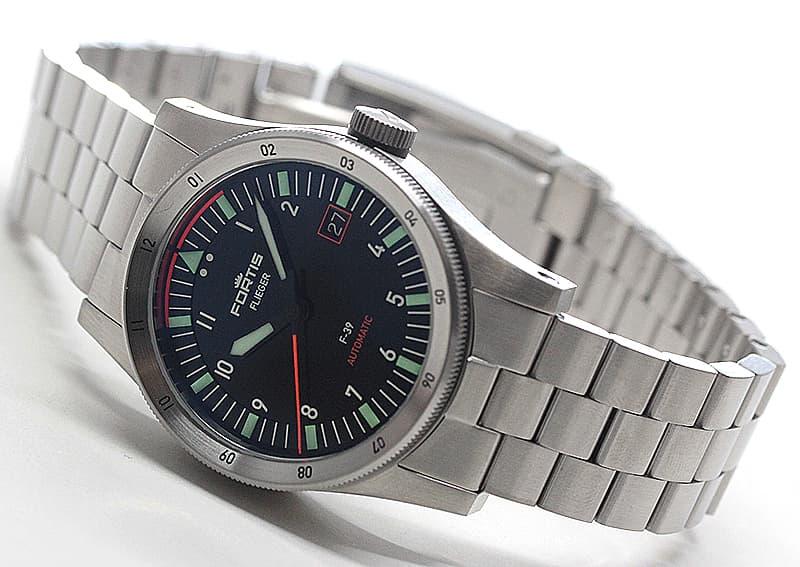 結納返しにも人気が高い腕時計