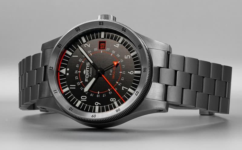 ウォッチバイヤー合田が数十年愛用し続けるほど、一度着用したら惚れ込む時計人が多いフォルティス腕時計。
