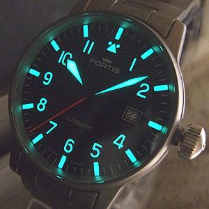 視認性の高い腕時計