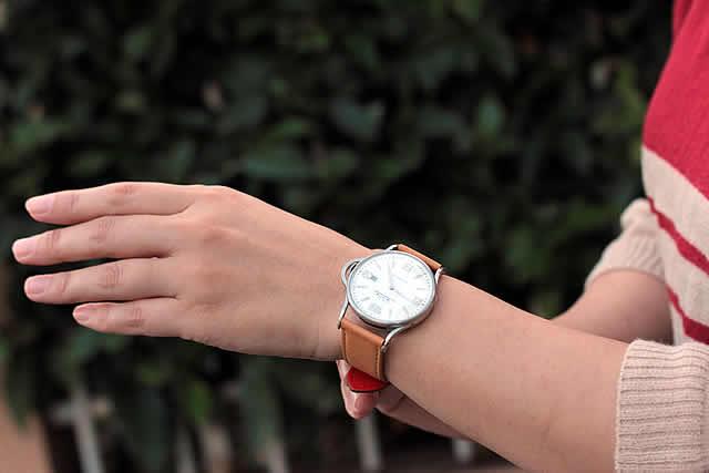 男女ともに使用できる腕時計です。