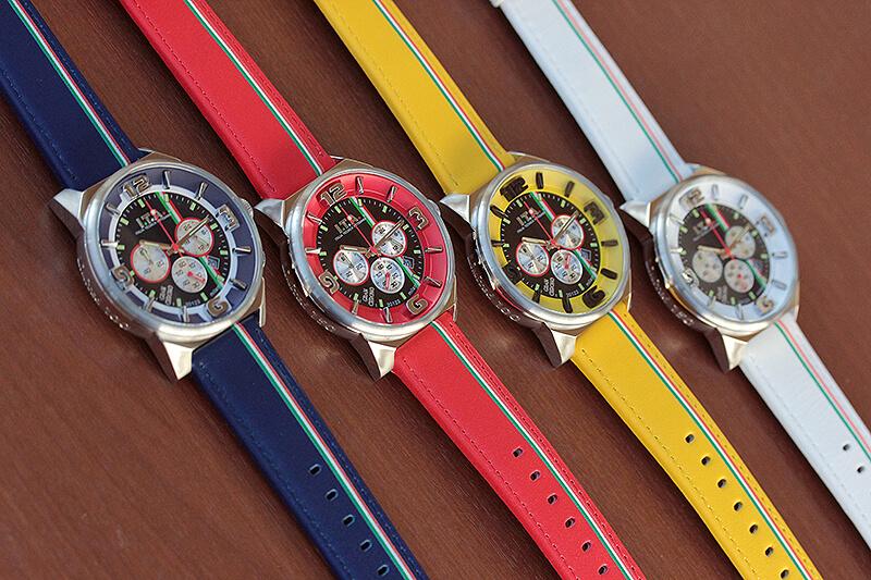 「レッド」「イエロー」「ブルー」「ホワイト」 アイティーエー 腕時計