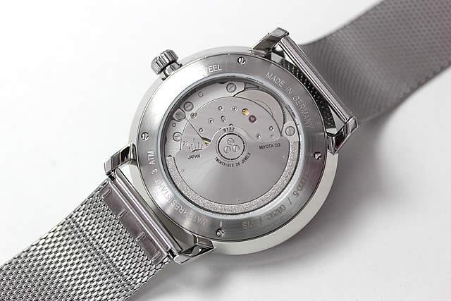 自動巻き腕時計 裏蓋スケルトン