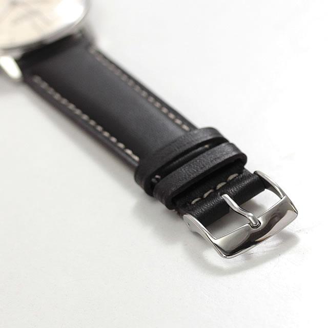 尾錠タイプの黒いベルト