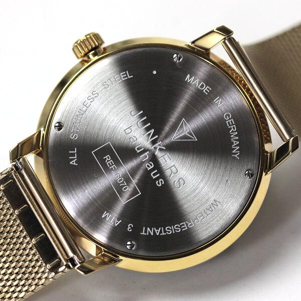 腕時計の裏側の画像