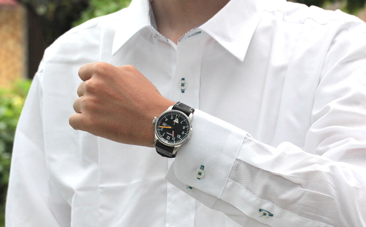 6144-3qz-203552 junkers(ユンカース)腕時計 腕周り15cmの男性が着用したイメージ