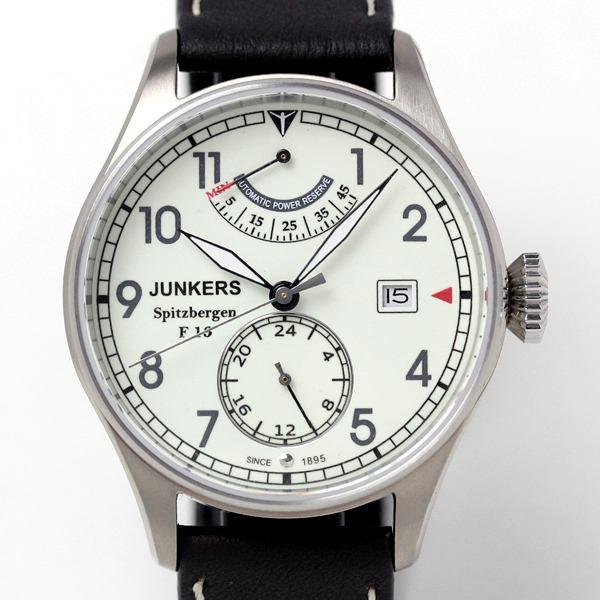 ユンカース腕時計 6160-5at-203572 ケースはチタン素材を使用。風防はサファイアクリスタル