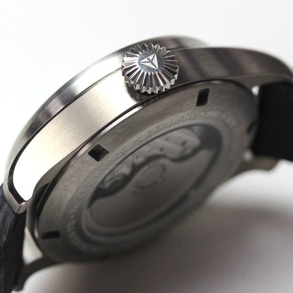 腕時計のケース側面イメージ