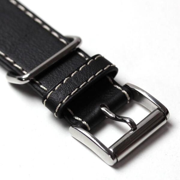 ユンカース腕時計のレザーベルト 尾錠部分アップ
