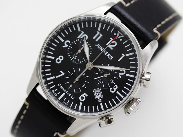ユンカース 腕時計 オートマティック ブラックカラーJU52文字盤のアップ画像