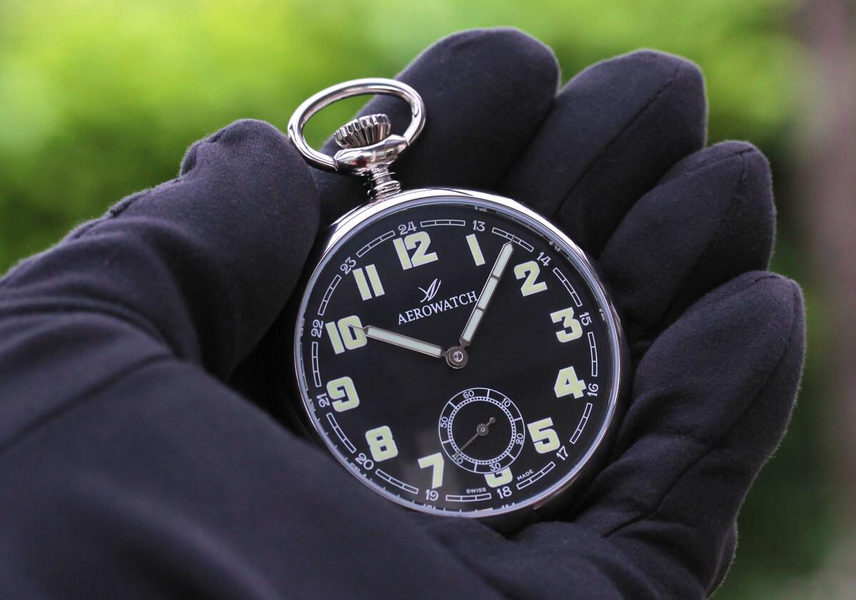 ブラック文字盤が印象的な手巻き式懐中時計 AERO(アエロ)手巻き式懐中時計 50616aa06
