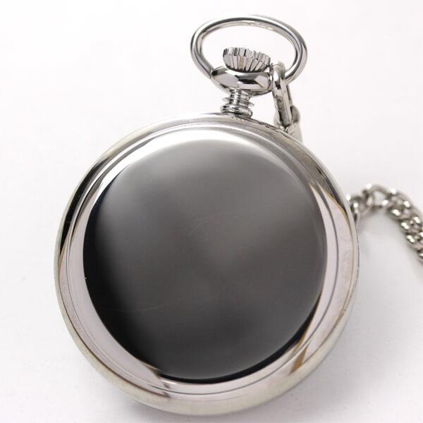 鏡面仕上げの懐中時計