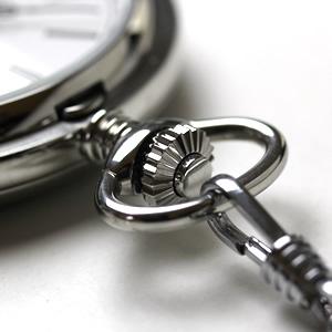 懐中時計のリューズ シルバーカラー