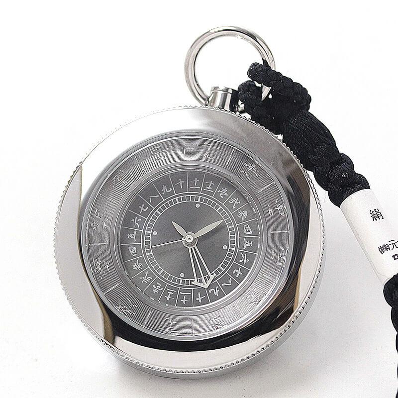 「今って何時?」「卯の刻だよ。」っと、今までにない会話が弾む和の懐中時計です。