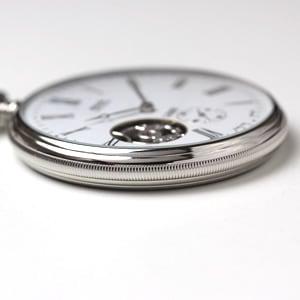 エポスの懐中時計のケースサイドにはコインエッジ