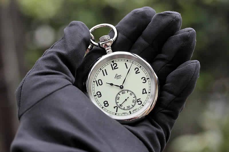 ケース径58mm径の存在感ある懐中時計