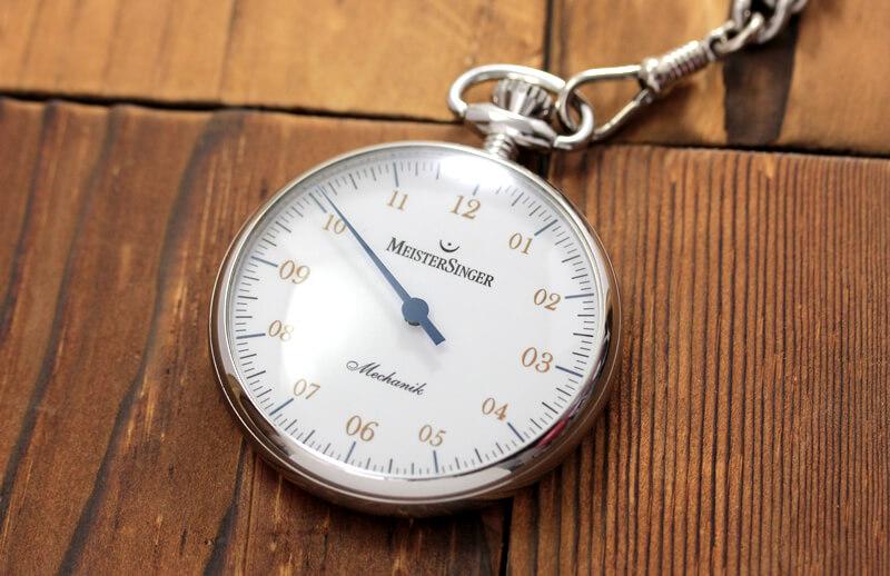 手巻き 一本針が特徴的な マイスタージンガー(meister singer)時計 tm2010a