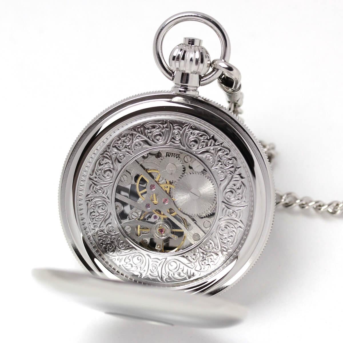 イギリスブランド rapport(ラポート) 懐中時計 pw49 裏蓋を開けたところ。スケルトンになっていて、中のムーブメントがよく見えます。