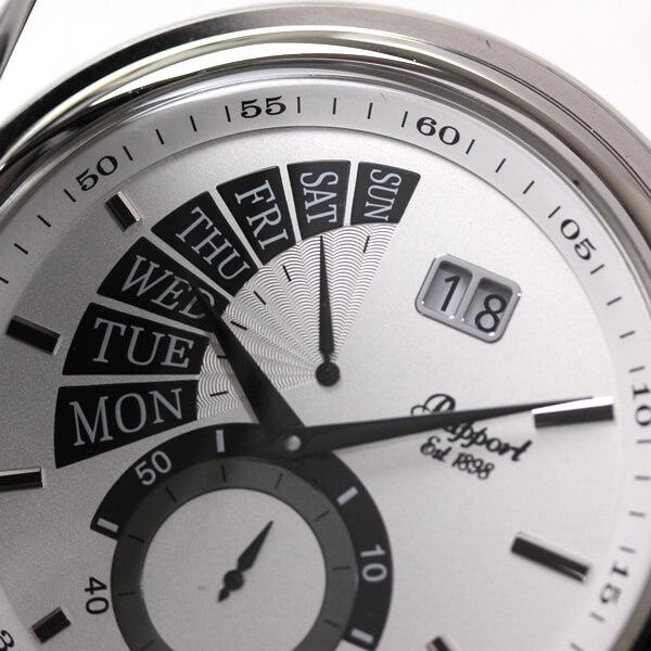 白い文字盤に黒く扇状に広がるレトログラードタイプのカレンダー