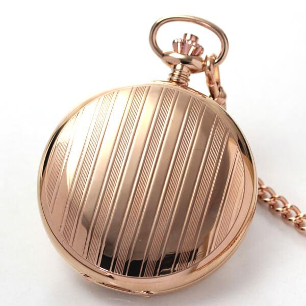 模様のある懐中時計 表