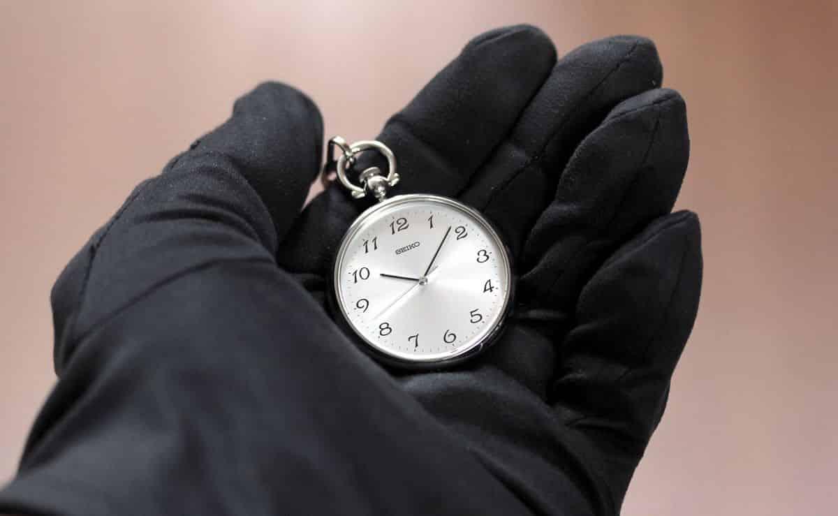 セイコー懐中時計 SAPB003 手のひらにのせたイメージ