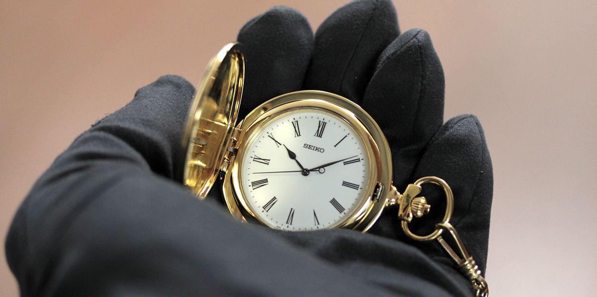 セイコー懐中時計 sapq004を手に乗せたイメージ