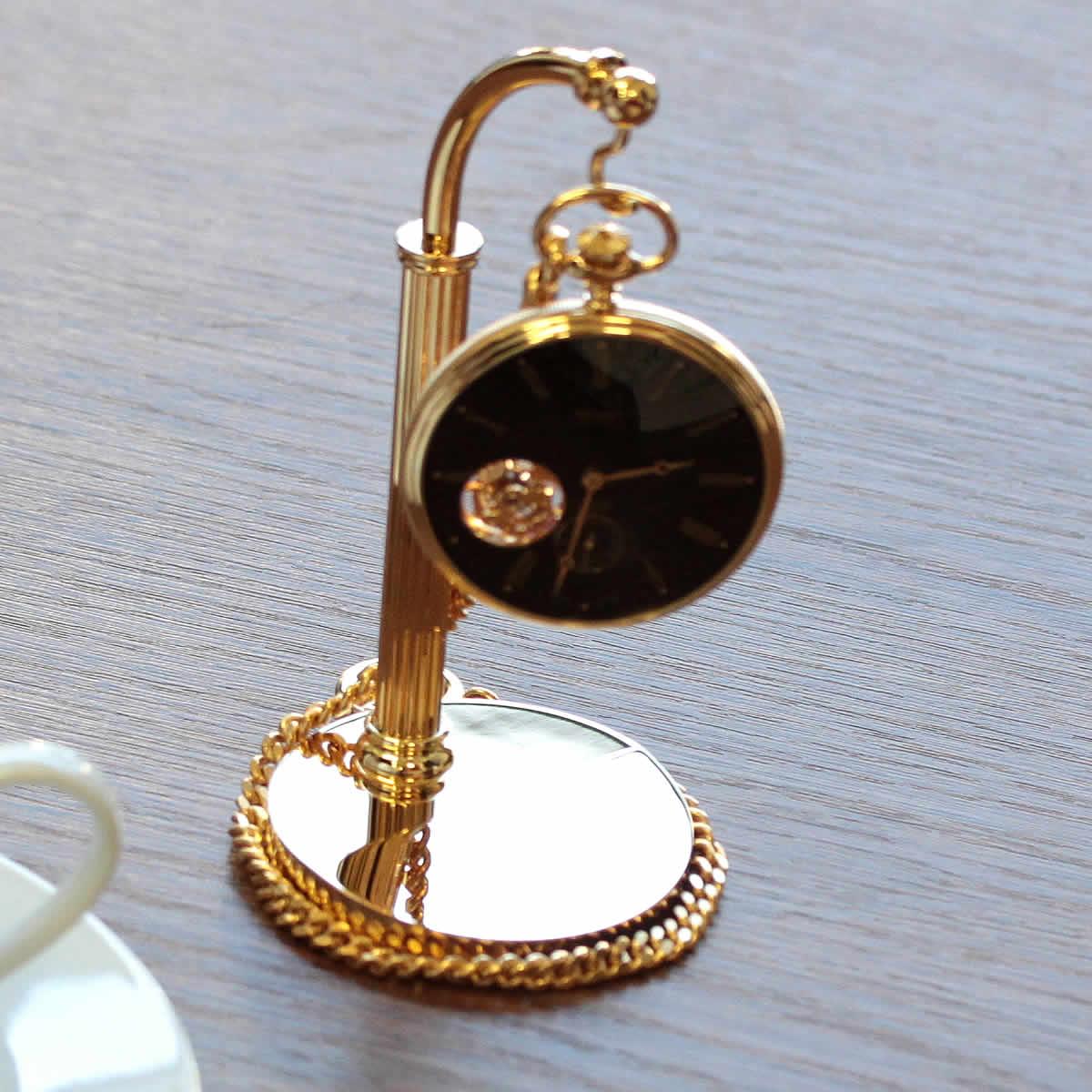 懐中時計とぶら下げて使います。