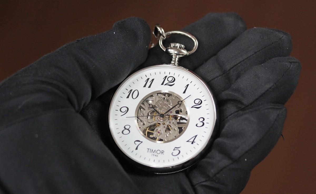 気軽に身につけられるリーズナブルなスケルトン懐中時計 tp103ch02
