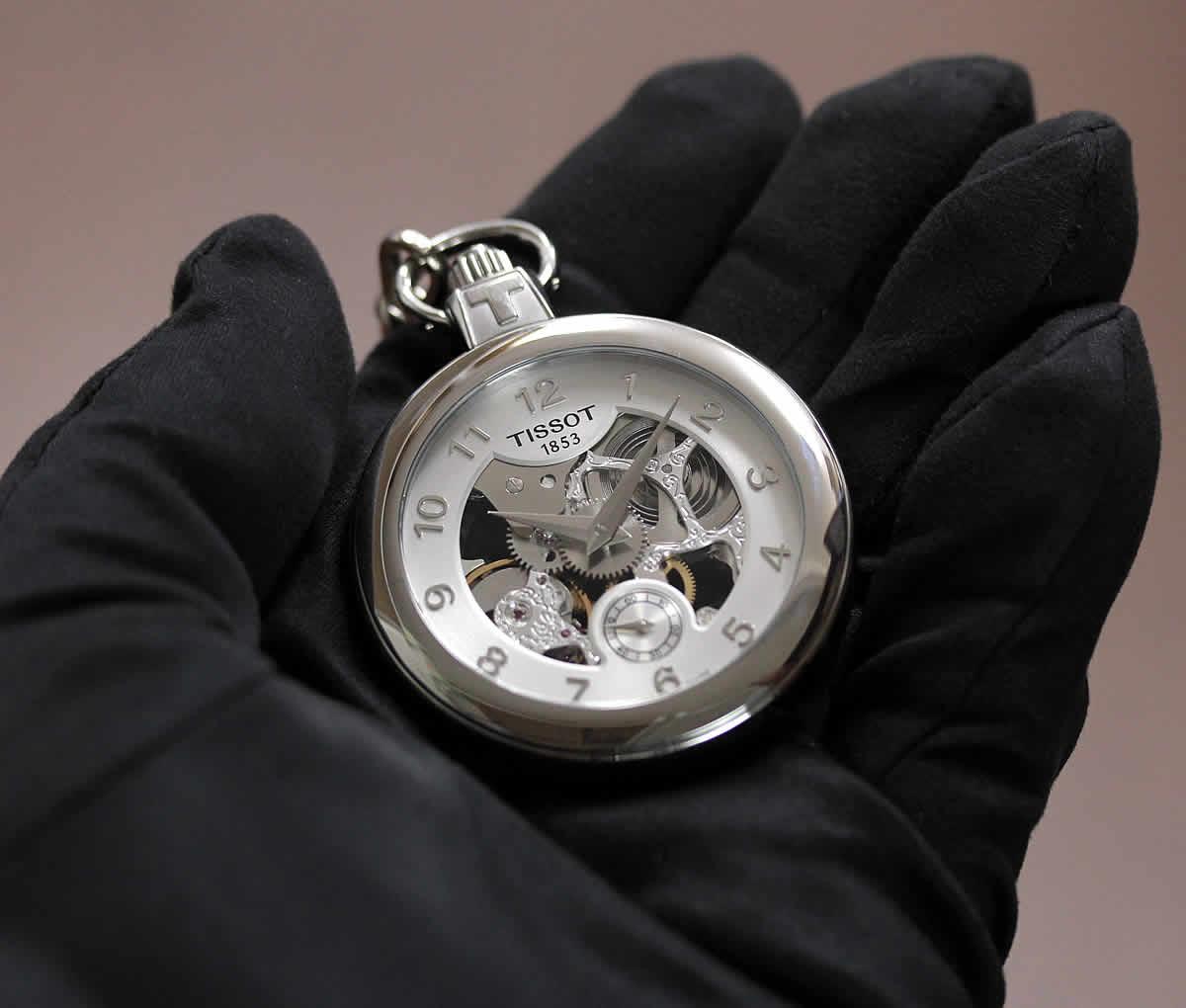 結納返しなど贈り物に人気の懐中時計