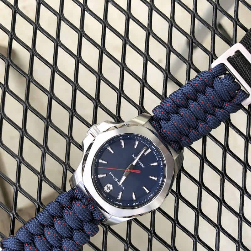 ビクトリノックス スイスアーミー腕時計はクリスマスプレゼントにオススメです。