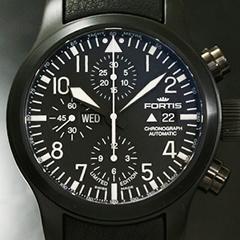パイロットウォッチの文字盤はコックピットの計器をイメージしているもが多い。
