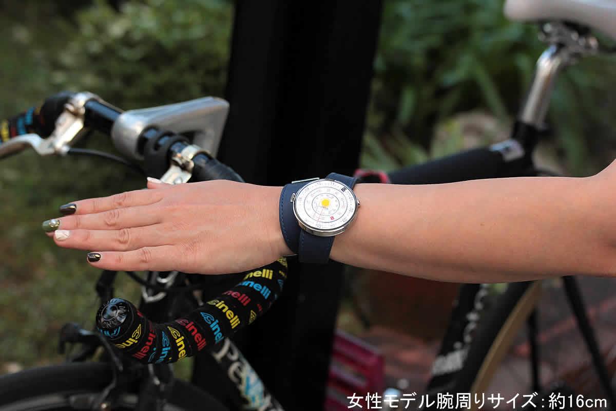 カジュアルな洋服に似合う腕時計
