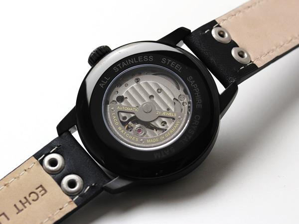 lacoの腕時計クォーツ式