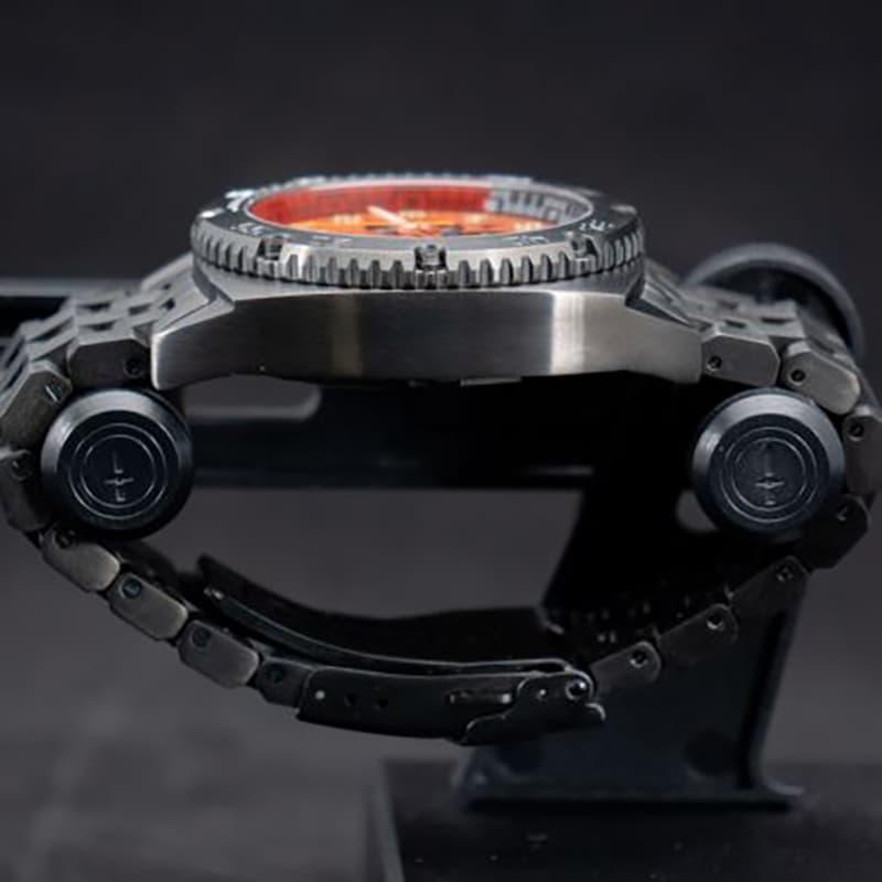 ブラック クロノグラフ 腕時計