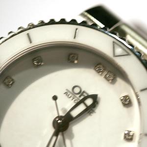 ORIS初のダイヤモンド 時計