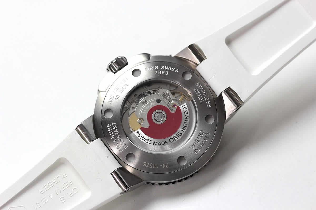 ORIS 腕時計 ねじ込み式裏蓋 シースルーバック