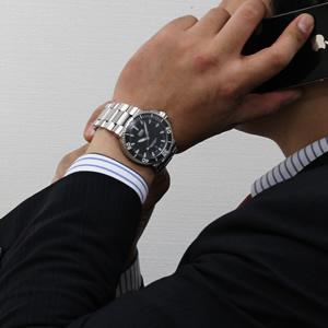 ORIS 腕時計 正美堂男性スタッフ着用