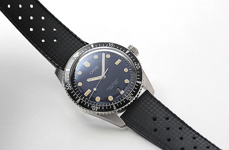 オリス(Oris)ダイバーズ65(Divers Sixty-Five)733.7707.4055 ブラックラバー 腕時計