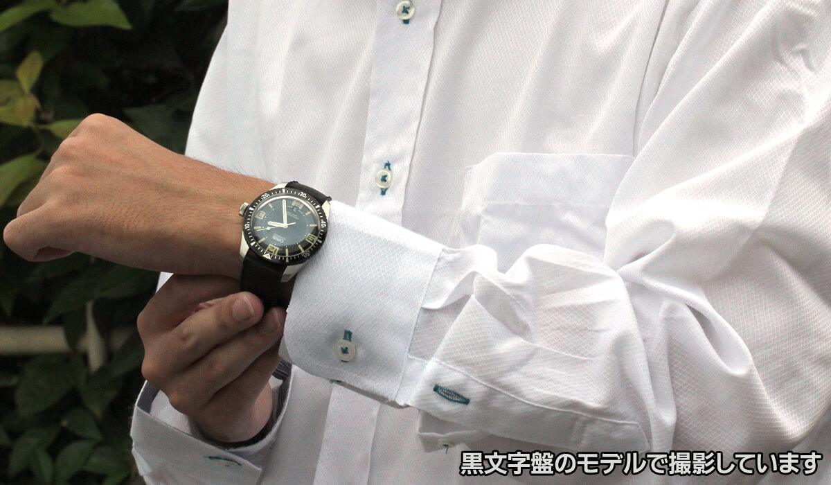 ORIS(オリス) ダイバーズ65 73377074065f 腕周り16cmの男性スタッフが着用