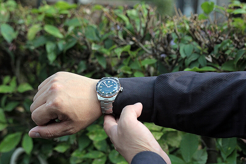 ジーンズに似合う腕時計