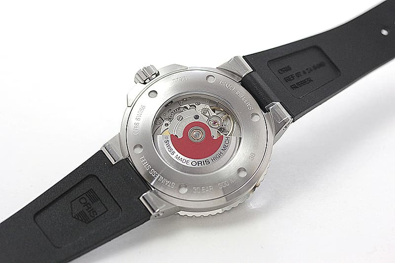 オリス機械式腕時計の象徴 レッドローター