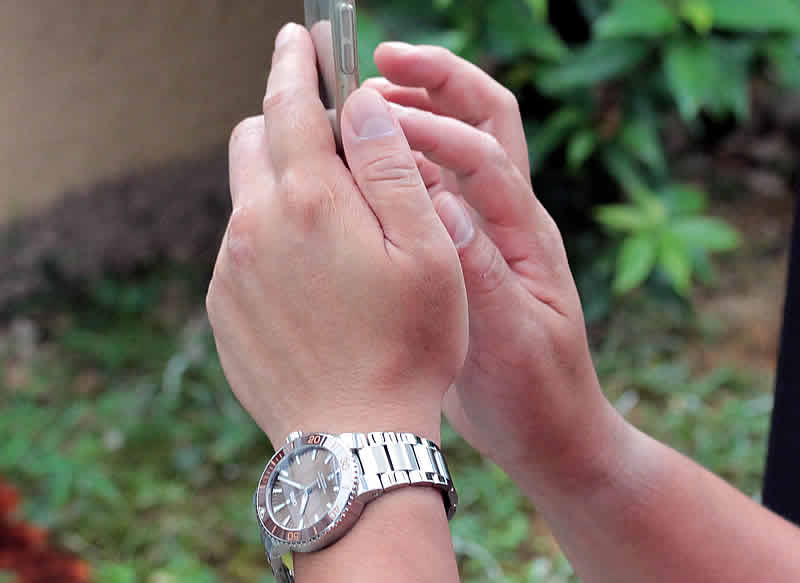 仕事のときもかっこよく使える腕時計