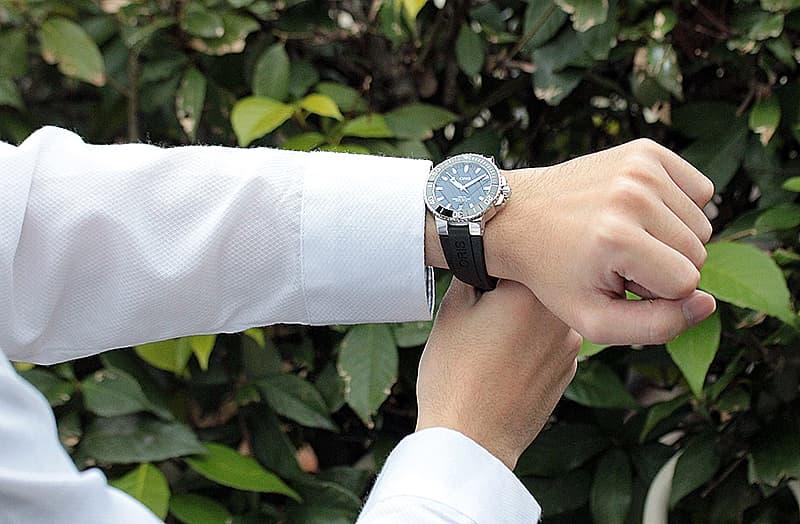 スーツに似合う シャツに似合う 腕時計