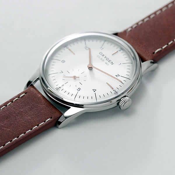 シンプルで美しい男性用腕時計