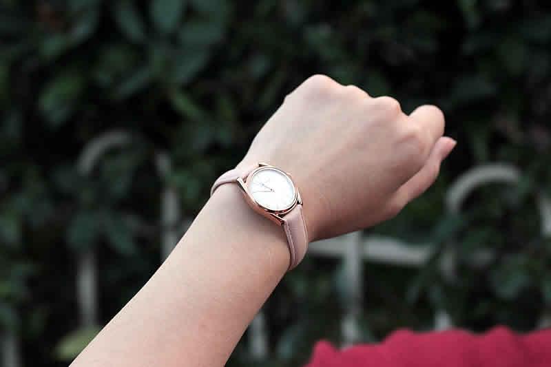 ケース径 約28mmの腕時計